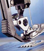Встроенный верхний транспортер ткани швейной машины Pfaff Select 4.2